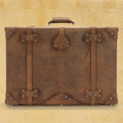 Classic Suitcase in Tobacco